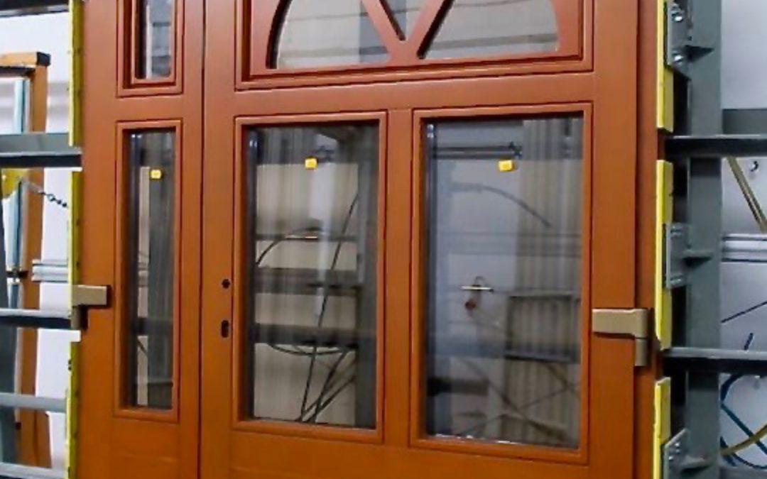 Oak double door with toplight