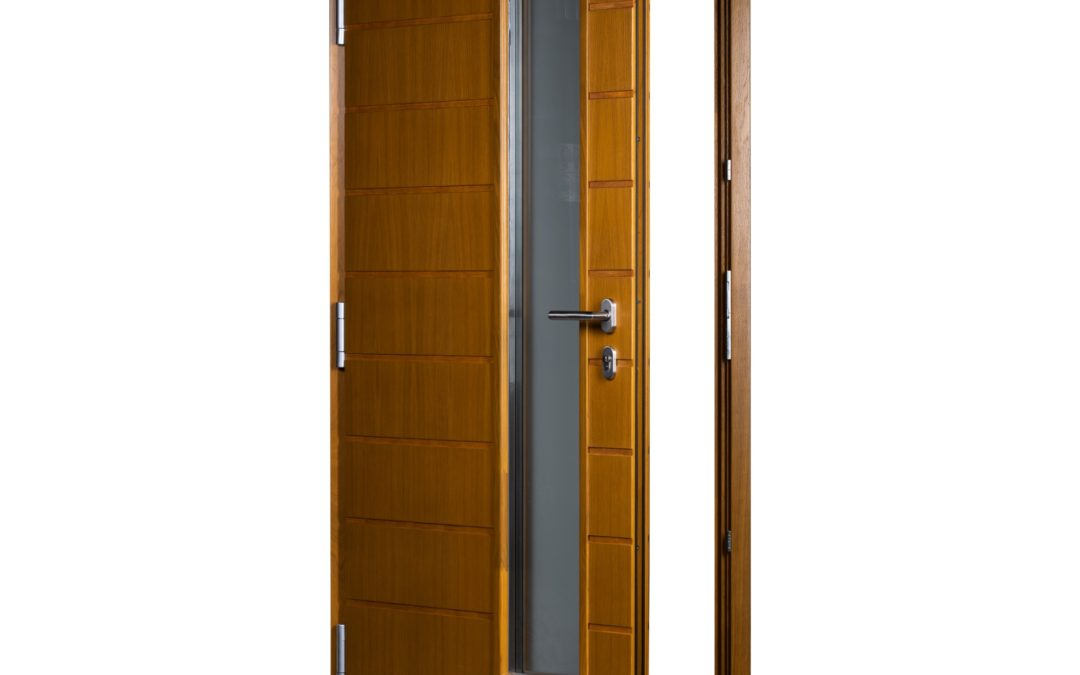 Single door, pull handle